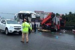 Vụ xe cứu nạn va chạm xe khách trên cao tốc: Một chiến sĩ cảnh sát tử vong