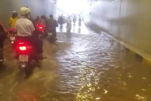 Hầm chui 120 tỷ vừa phục vụ APEC đã bị ngập nước