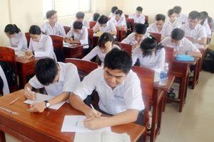 Khởi sắc dạy song ngữ trong trường THPT chuyên