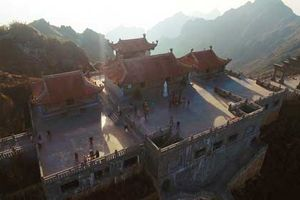 Thán phục trước sự kỳ vĩ của những công trình tâm linh trên đỉnh Fansipan