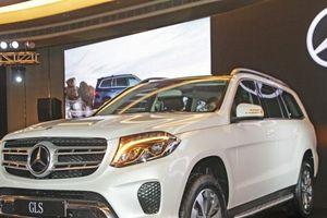Mercedes chuẩn bị ra mắt Maybach GLS đấu Range Rover SVAutobiography