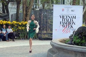 Khép lại Tuần lễ thời trang Thu Đông Việt – Ý đầy màu sắc