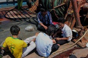 Chủ tàu cá bắt giữ thuyền viên vì sợ trốn nợ