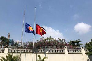 Đại sứ quán Việt Nam tại các nước mở cửa đón các đoàn tới viếng nguyên Thủ tướng Phan Văn Khải