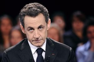 Cựu tổng thống Pháp bị cảnh sát tạm giữ