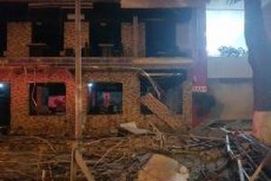 Phát nổ tại nhà hàng ở TP Vinh lúc nửa đêm