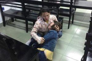 Gia đình nhà báo xin cho bị cáo: Con gái cần cha