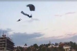 Nhảy dù va chạm trên không, người phụ nữ rơi xuống đất tử vong