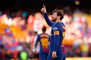 Hàng trăm mũi tiêm biến Messi thấp còi thành siêu sao