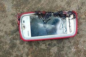 Một thiếu nữ tử vong do Nokia 5233 phát nổ