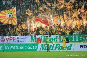 Vòng 2 NutiCafe V.League 2018: 'Cháy' vé ở Thiên Trường