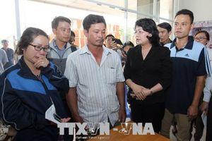 Phó Chủ tịch nước thăm hỏi, chia buồn với gia đình nạn nhân vụ cháy chung cư Carina Plaza