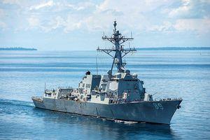 Tàu chiến Mỹ tiến sát đá Vành Khăn nơi Trung Quốc chiếm trái phép
