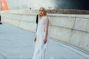 'Nấm lùn' Fung La được tạp chí Vogue vinh danh trong hạng mục street style đẹp nhất
