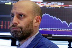 Chứng khoán Mỹ tiếp tục đỏ lửa, Dow Jones về mức thấp nhất trong năm