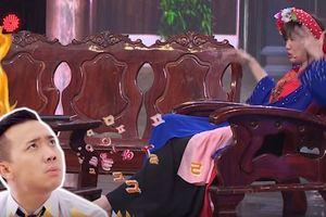 Hari Won 'tố cáo' phải nghe Trấn Thành kể chuyện đến không ngủ được