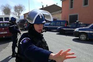 Nghi phạm thứ hai trong loạt vụ khủng bố tại Pháp sinh năm 2000