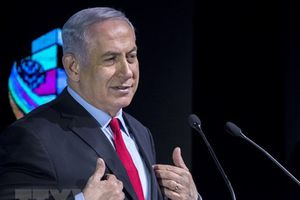 Thủ tướng Israel Benjamin Netanyahu cùng vợ và con trai bị thẩm vấn