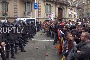 Cựu Thủ hiến bị bắt, biểu tình ở Catalonia bùng nổ