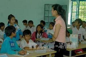 Bao giờ giải quyết được vụ hơn 500 giáo viên mất việc ở Krông Pắk?