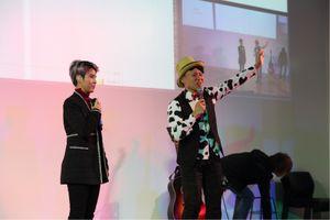Nghệ sĩ Nhật Bản ngẫu hứng lên sân khấu hát cùng Vũ Cát Tường