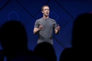 'Người tố giác vĩ đại' lật mặt trái Facebook