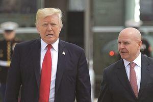 Sổ tay: Tổng thống Trump 'dọn dẹp' Nhà Trắng như thế nào?