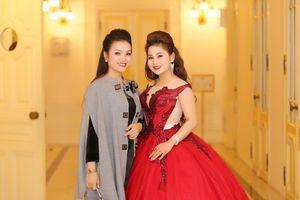 Ca sĩ Tân Nhàn nghẹn ngào khi trò đoạt giải âm nhạc quốc tế