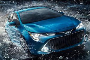 Toyota Corolla hatchback 2019 lộ diện, 'phả hơi nóng' lên Honda Civic
