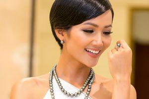 Khán giả lo lắng về khả năng của H'Hen Niê ở Hoa hậu Hoàn vũ 2018