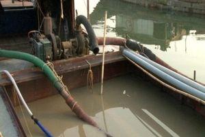 Thừa Thiên Huế bắt giữ 5 tàu khai thác cát trái phép trên sông Hương