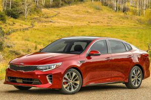 Kia Optima 2018 – Bỏ số tiền vừa phải để sở hữu xe sang
