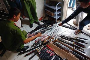 Cảnh sát bắt trùm chuyên cung cấp hàng nóng ở Sài Gòn