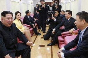 Hình ảnh đầu tiên bên trong đoàn tàu bí hiểm chở ông Kim Jong-un
