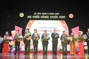 Đà Nẵng trao giải thưởng 'Nụ cười công chức' lần thứ IV