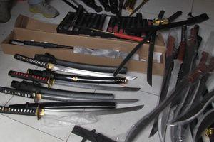 Bắt kẻ cầm đầu đường dây cung cấp vũ khí qua mạng ở Sài Gòn