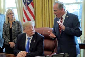 Bộ trưởng Mỹ bị ông Trump cách chức vì dùng tiền công cho vợ đi du lịch