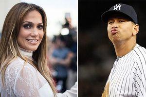 Jennifer Lopez và bạn trai kém tuổi chi 15,3 triệu USD mua nhà sống chung