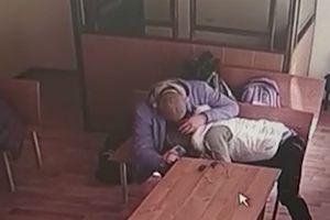 Nga: Ngang nhiên chiều bạn trai trong tòa án