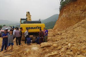 Sạt lở đất đồi làm chết 1 lái xe: Lộ diện chủ 'mỏ' khai thác đất