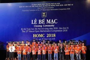 Gần 280 huy chương và cúp được trao trong lễ bế mạc bảng B kỳ thi HOMC
