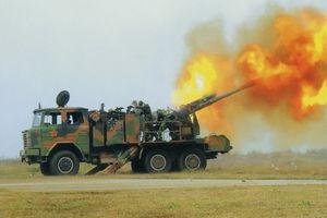Quân đội Lào gây bất ngờ với lựu pháo tự hành tối tân do Trung Quốc sản xuất