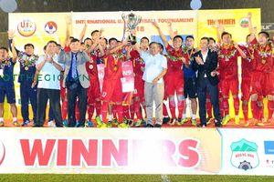 Bế mạc giải U.19 Quốc tế 2018: Đội bóng chủ giải toàn thắng, bảo vệ thành công ngôi vô địch