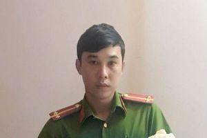 Quảng Ninh: Bé gái 1 tuần tuổi bị bỏ rơi trên con đường mòn