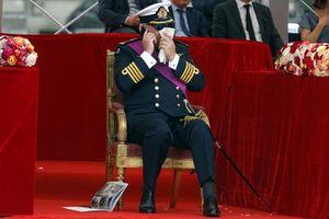 Van nài thống thiết, hoàng tử Bỉ vẫn bị phạt giảm tiền trợ cấp