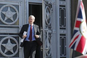Một loạt các nhà ngoại giao tới Bộ Ngoại giao Nga tại Moscow