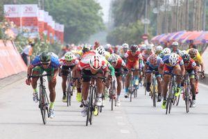 Lê Văn Duẩn chiến thắng trong chặng đua tốc độ cao