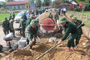 BĐBP Hà Tĩnh đi đầu giúp dân xây dựng nông thôn mới