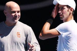 NÓNG: Djokovic bất ngờ chia tay HLV Agassi