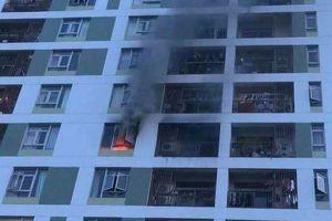 Lại cháy chung cư ở TP HCM, hàng trăm người hoảng hốt tháo chạy